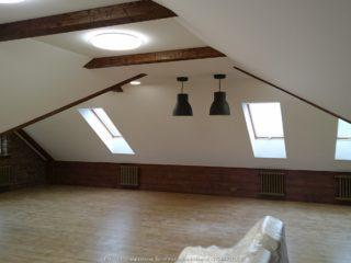 Балки на ломаном потолке