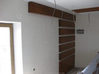 Фальш балки на стене
