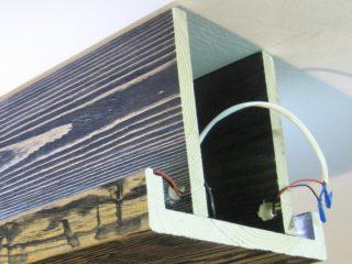 фальш балка с подсветкой - сложный деревянный профиль