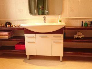 Тумба с полками для ванной комнаты